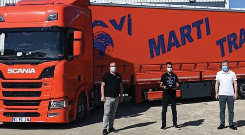 Martı Scania'ya kondu