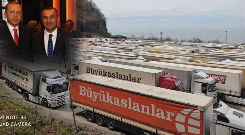 Türkler sınırda mahsur kaldı