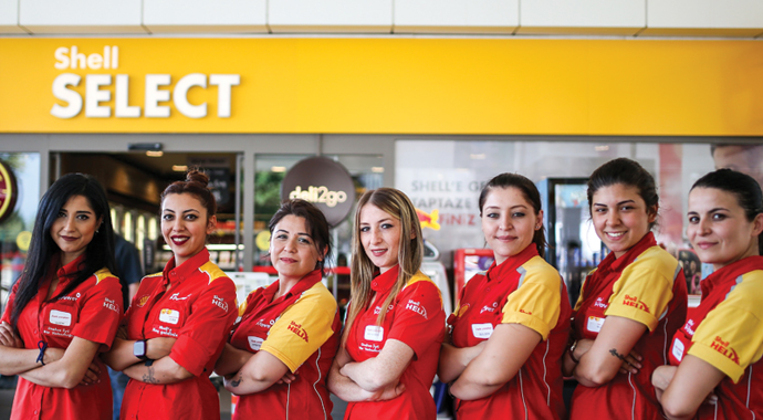 Shell pompaları kadınlara emanet