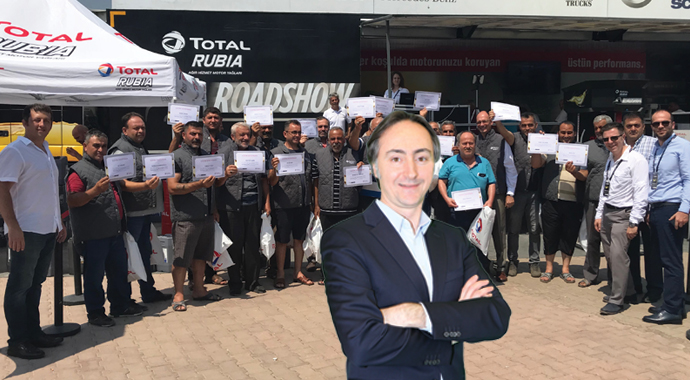 Total ekibi kamyoncuyu ziyaret etti