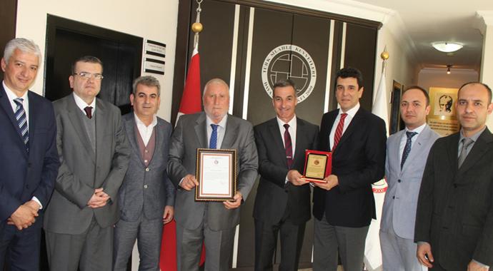TREDER, TSK'ya 100 bin TL bağışladı