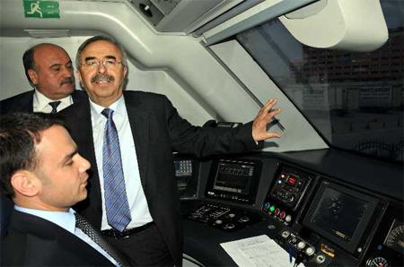 Bakan Soluk, hızlı treni test etti