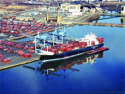 Çelebi Holding, İzmir Limanı'ndan çekildi