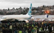 Boeing ilk 737 MAX 8'i tanıttı