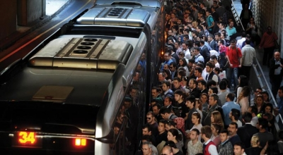 Metrobüse 276 milyon yolcu bindi