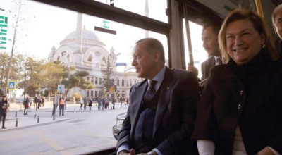 Milli otobüs sarayın hizmetinde